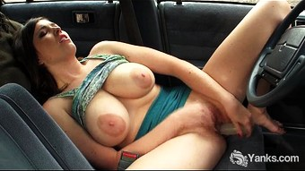 Busty Amber Toy Her Pussy In The Car  HD