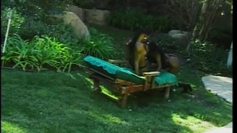 Pussy Slurping In The Garden - CDI