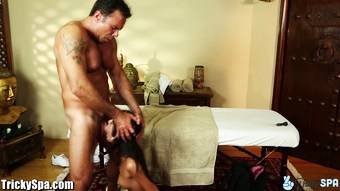 TrickySpa SEXY Latina Blowing Sly Masseur