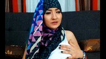 Muslim sexy webcam girl - LIVE.ARABSONWEB.COM