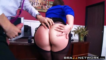 Big butty boss Lola wants to be fucked like a whore she is