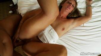 Natural Redhead Milf deepthroat and messy facial