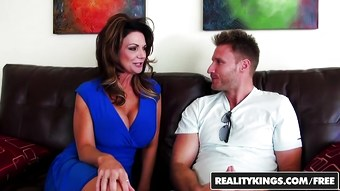 RealityKings - Milf Hunter - Deauxma Levi Cash - Vacation Co